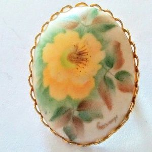 Jewelry - VTG Yellow Flower Brooch - Hand Painted Porcelain